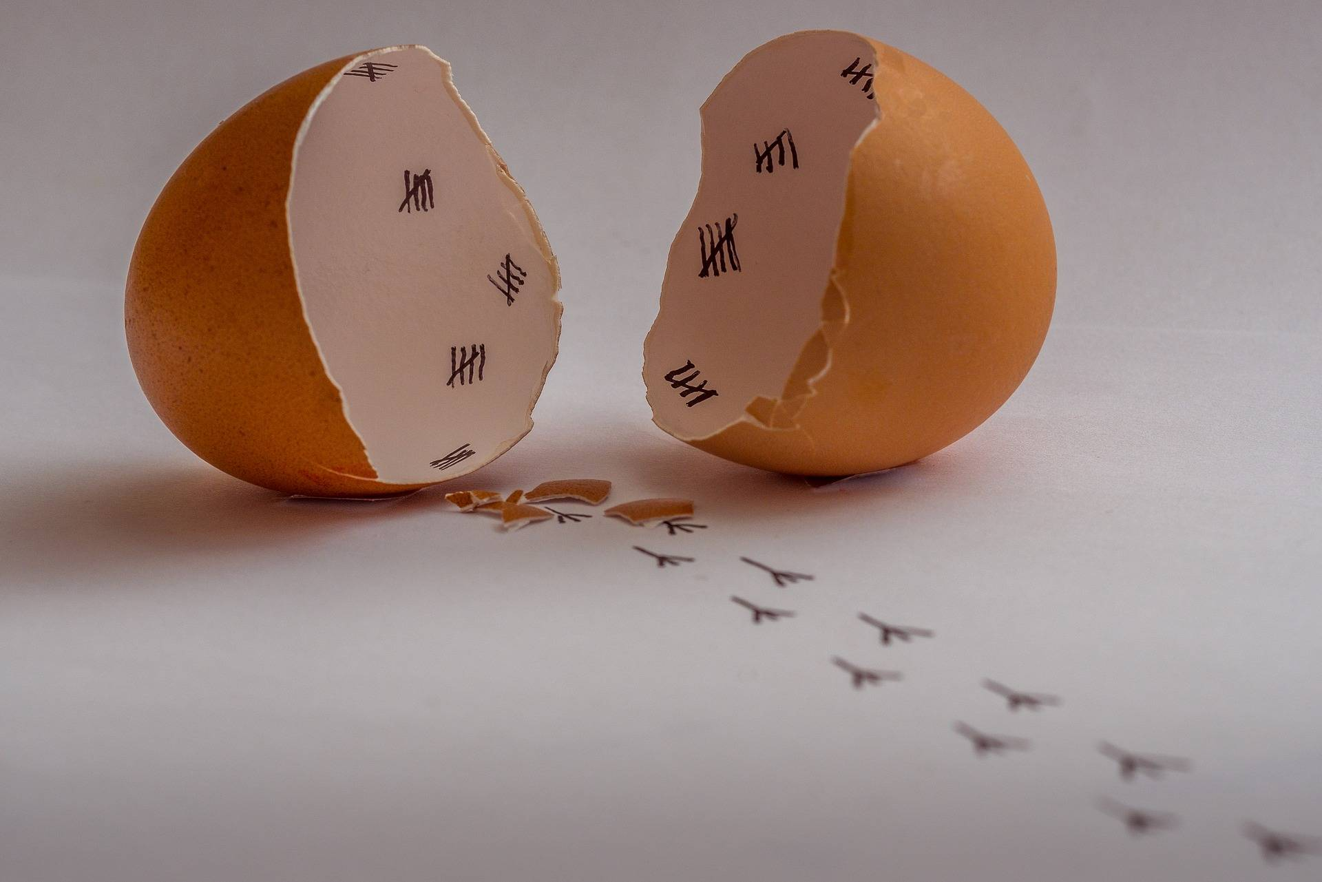 Signs that You're Walking on Eggshells In a Relationship