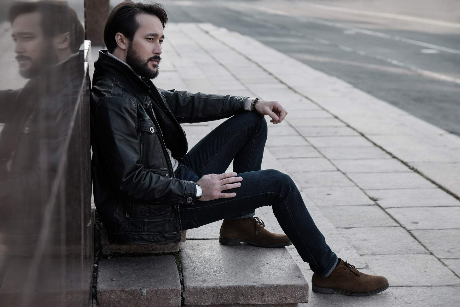 3 Signs Why Men Pull Away & Comes Back