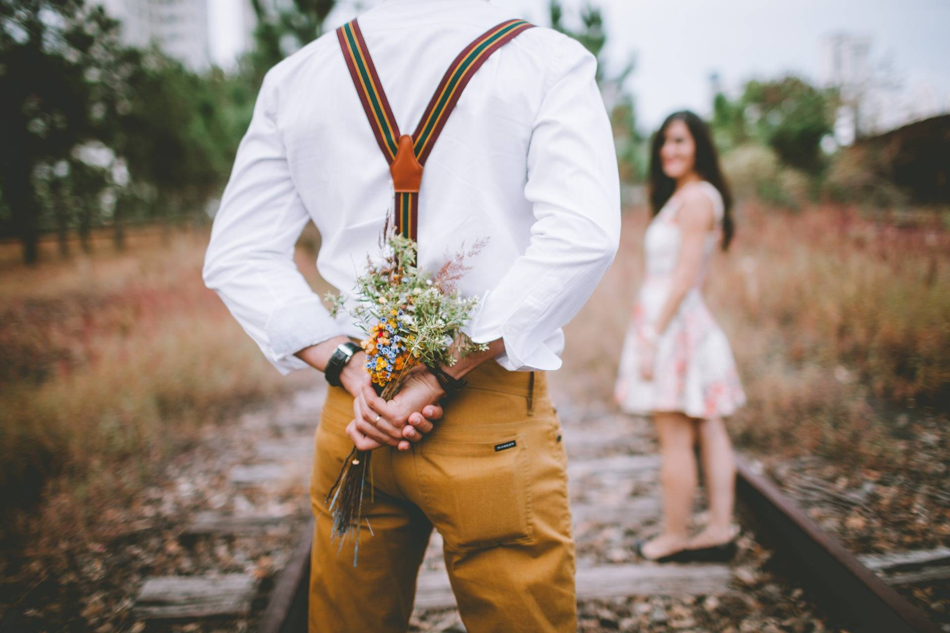Increase His Commitment: How to Stay One Step Ahead