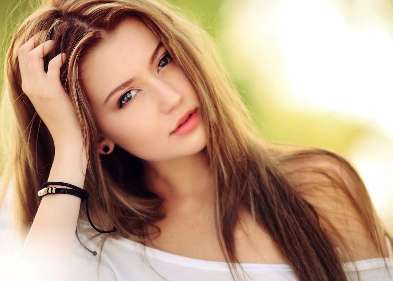 Why Some Beautiful Girls Struggle to Find a Boyfriend