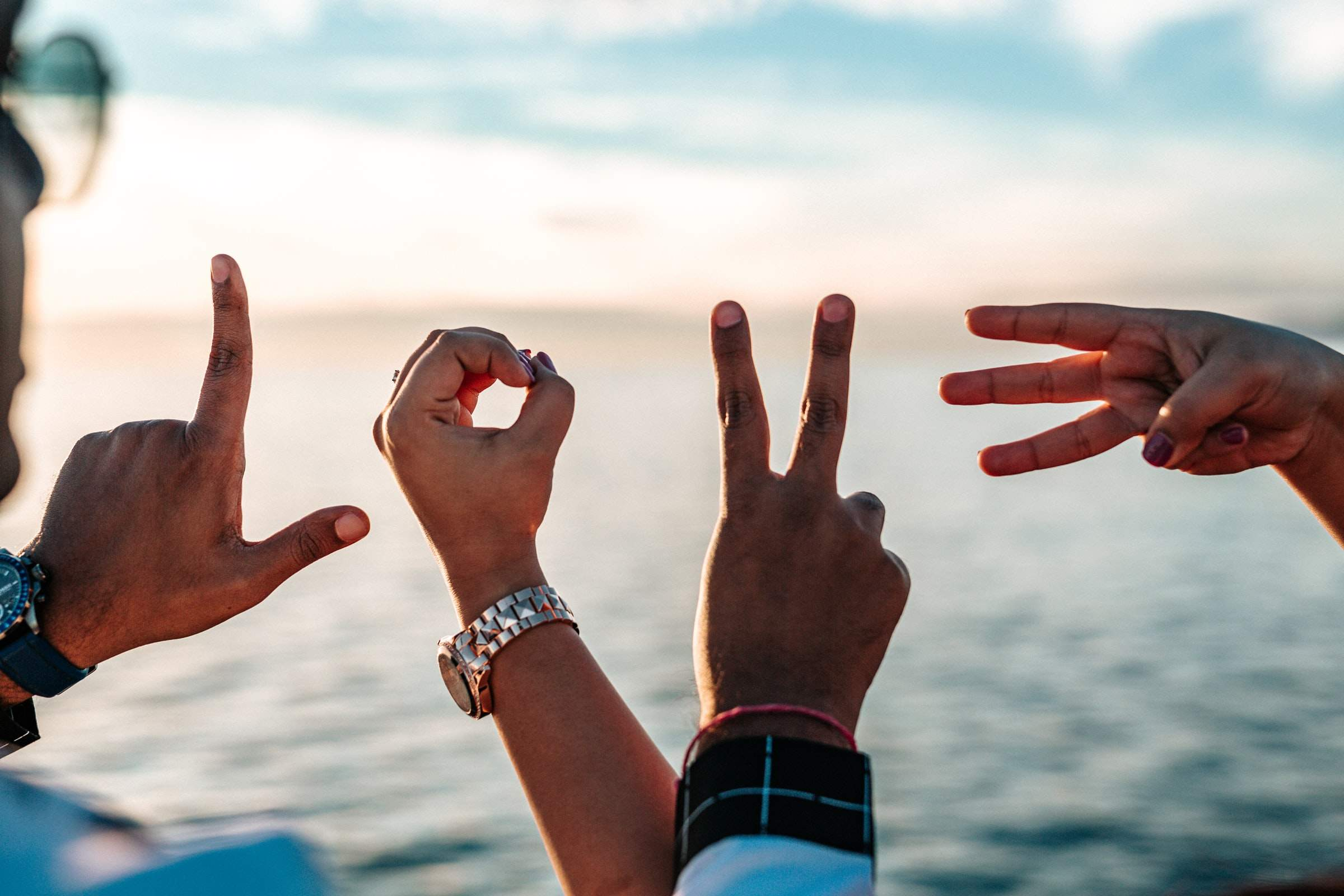 Blurring The Lines Between Friendship & Relationship — [Things to Remember]